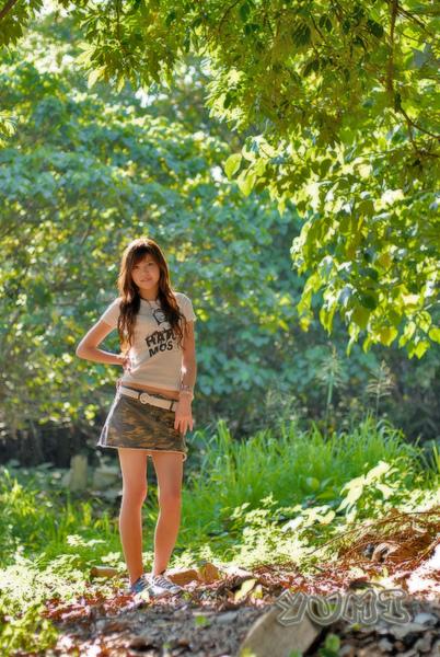 HK Model ~ Yumi ~ 大自然與短裙仔共行.jpg