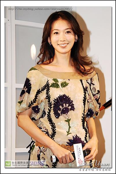 2007台北國際旅展之華航空姐與林志玲