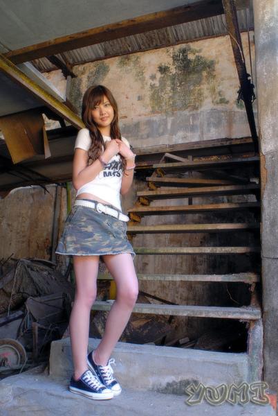 HK Model ~ Yumi ~ 大自然與短裙仔共行 (9).jpg