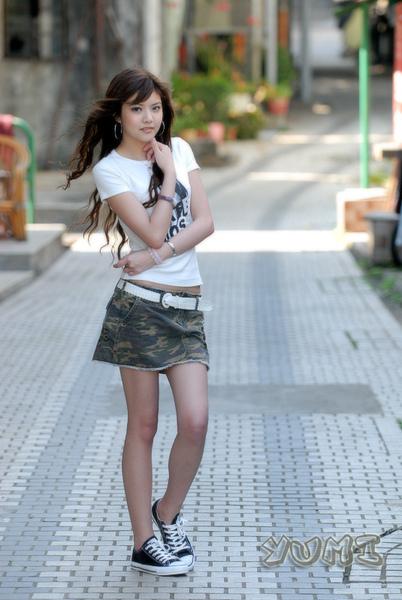 HK Model ~ Yumi ~ 大自然與短裙仔共行 (6).jpg
