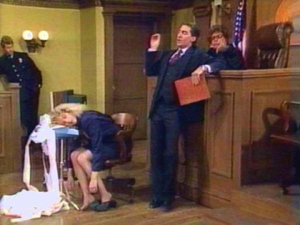 16個實際發生在法庭上的對話.JPG