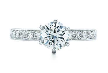 明亮圓鑽配珠式鑲嵌鑽戒
