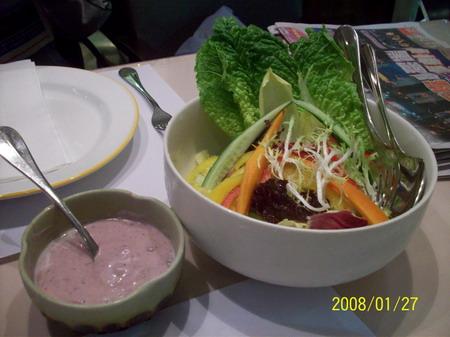 沙拉與藍莓 醬_大小 .jpg
