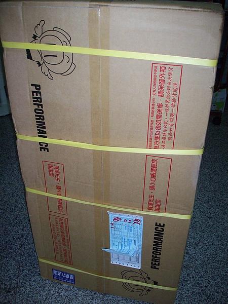 好大一箱 對女生來說 搬這個 有點重耶.jpg