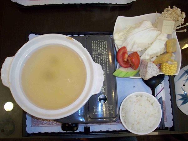 素食鍋 湯好鹹阿(001).jpg