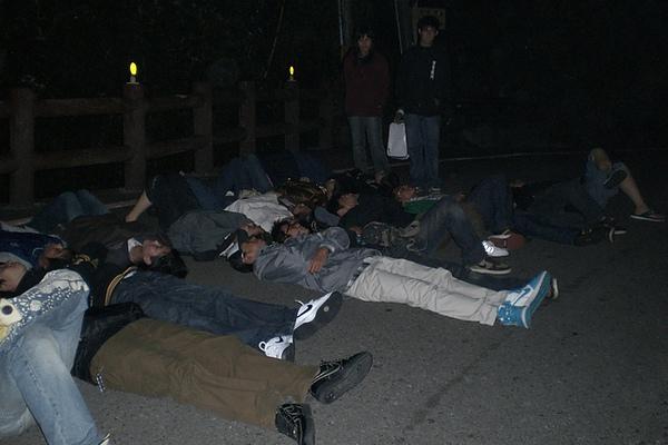 2006 資電一乙-躺著看流星雨.jpg