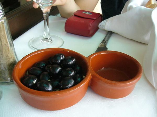 葡餐必附上的橄欖,但我不敢吃...