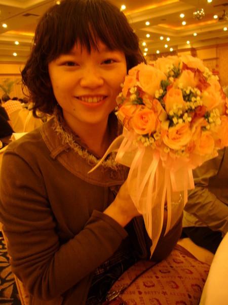 希望拿到捧花真的代表著沾了新娘的喜氣,我的幸福也將到來!^^