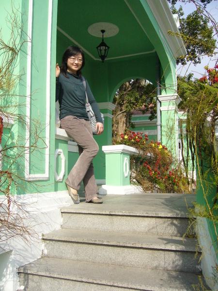 房子的色彩都是綠&白