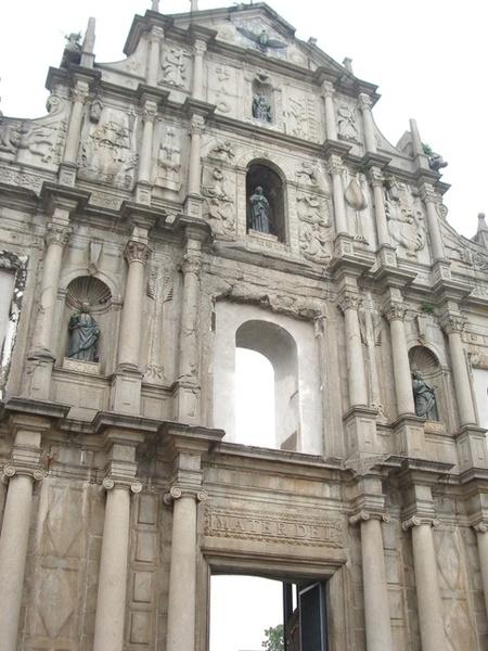 以前是教堂的前壁