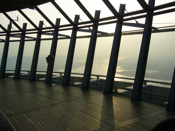 61樓室外觀光層