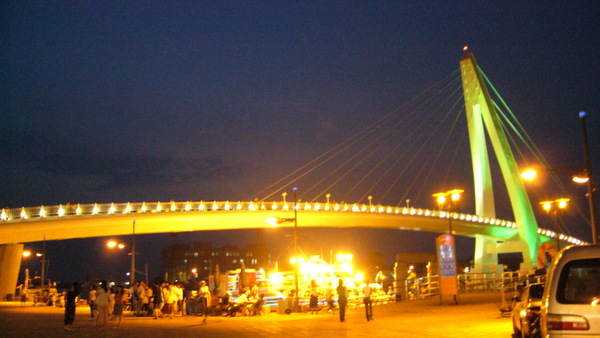 漁人碼頭的地標--情人橋