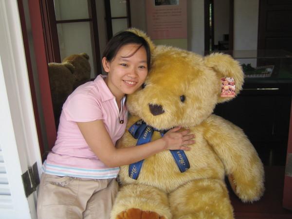 大熊熊的毛很好摸喔!