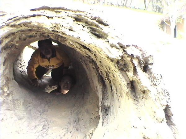 洞中有洞,洞中又有頭
