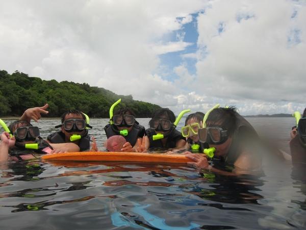 水面上(右邊數來第3個是我!)
