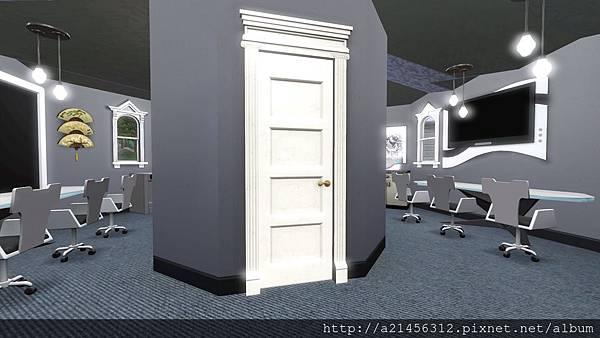 客廳廁所的門