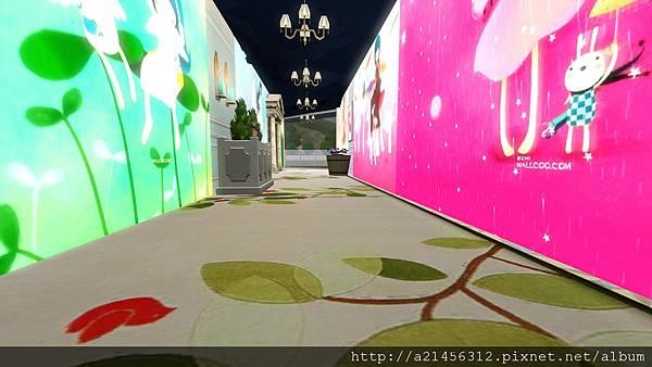 右方通往房間的走廊
