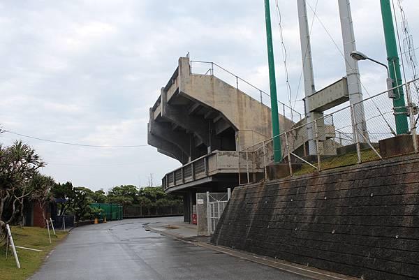 因為球場沒有開放,只能在球場周圍拍拍,很可惜。