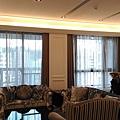 客廳-蛇型簾+傳統紗簾