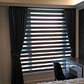 臥室-傳統布簾+調光捲簾