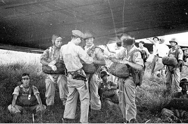 傘兵演習18.35年9月