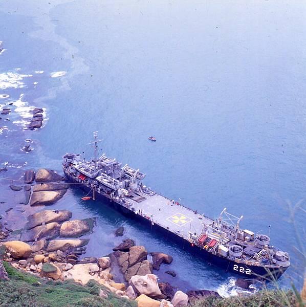 1995年LST-222擱淺在野柳01