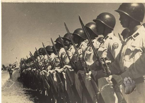 1946.10傘兵2.jpg