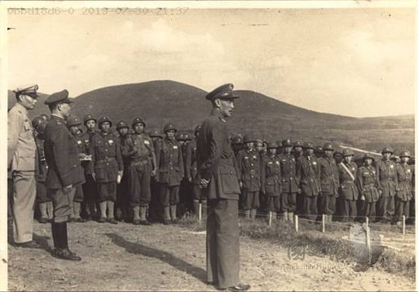 1947.5傘兵2.jpg