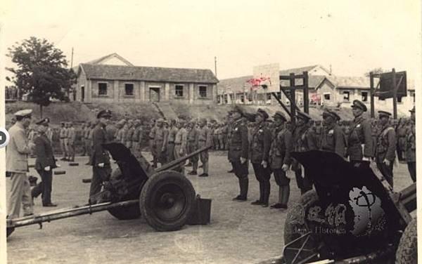 1947.5傘兵14.jpg