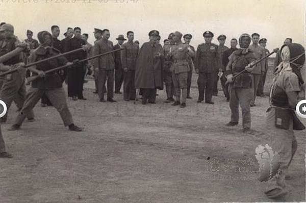 1951.12 (19).jpg
