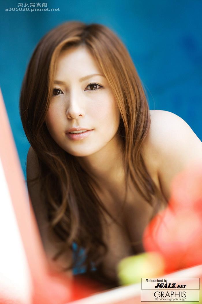 jgalz_gra_yuna-s014.jpg
