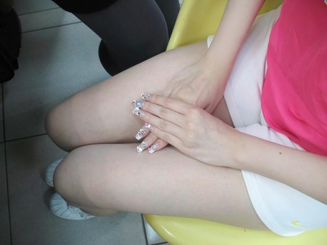 一整天都很擔心我的水晶指甲.jpg