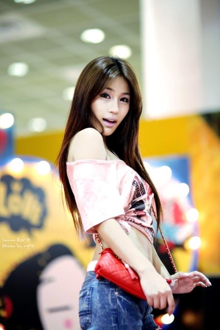 park-si-hyun-pretty-korean-race-model-04.jpg