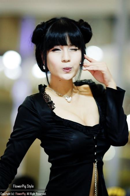 park-si-hyun-pretty-korean-race-model-05.jpg