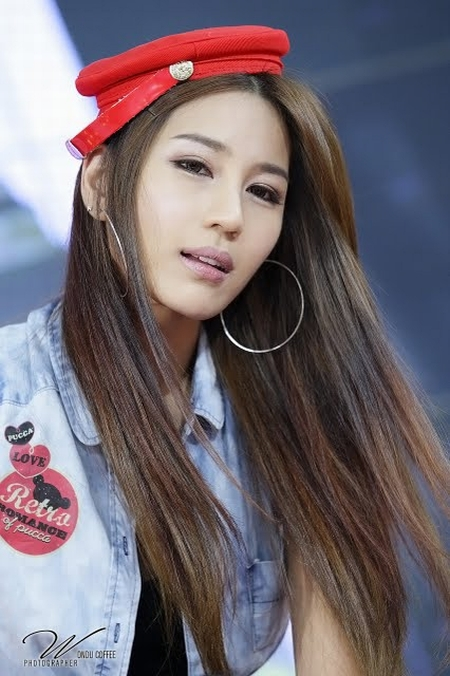 park-si-hyun-pretty-korean-race-model-10.jpg