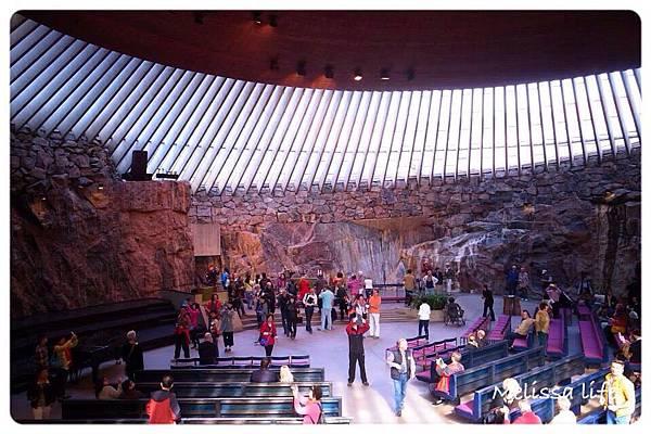 【芬蘭●赫爾辛基Helsinki】DAY2 我好愛這個城市!!!→參觀岩石教堂、赫爾辛基大教堂、康比教堂kamppi chapel