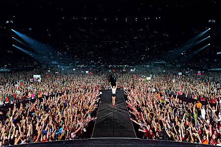 Taylor-Swift-Red-Tour-Concert