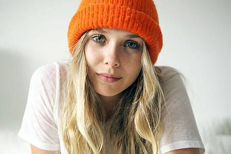 elizabeth-olsen-frances-tulk-hart-photoshoot-for-5-minutes-with-franny-december-2013_1.jpg
