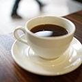 有熱帶水果風味與生巧克力餘韻的美式咖啡
