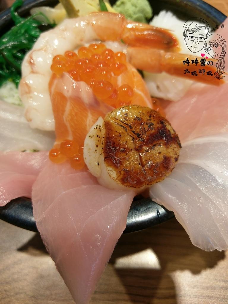 百魚鮮食屋A極の海鮮丼炙燒干貝.天使紅蝦鮭魚卵