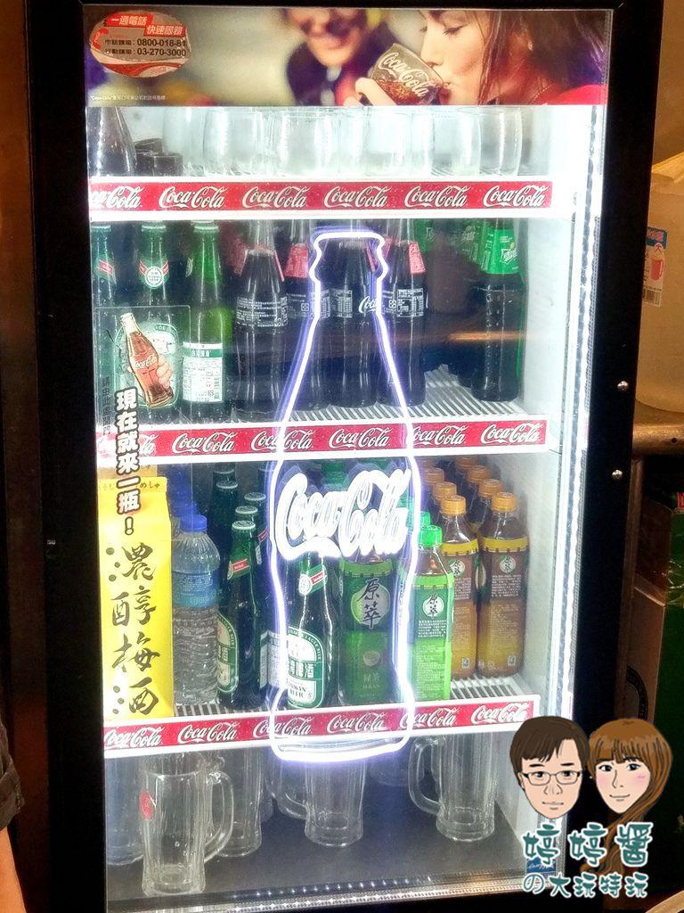 品都串燒攤冰箱飲料櫃