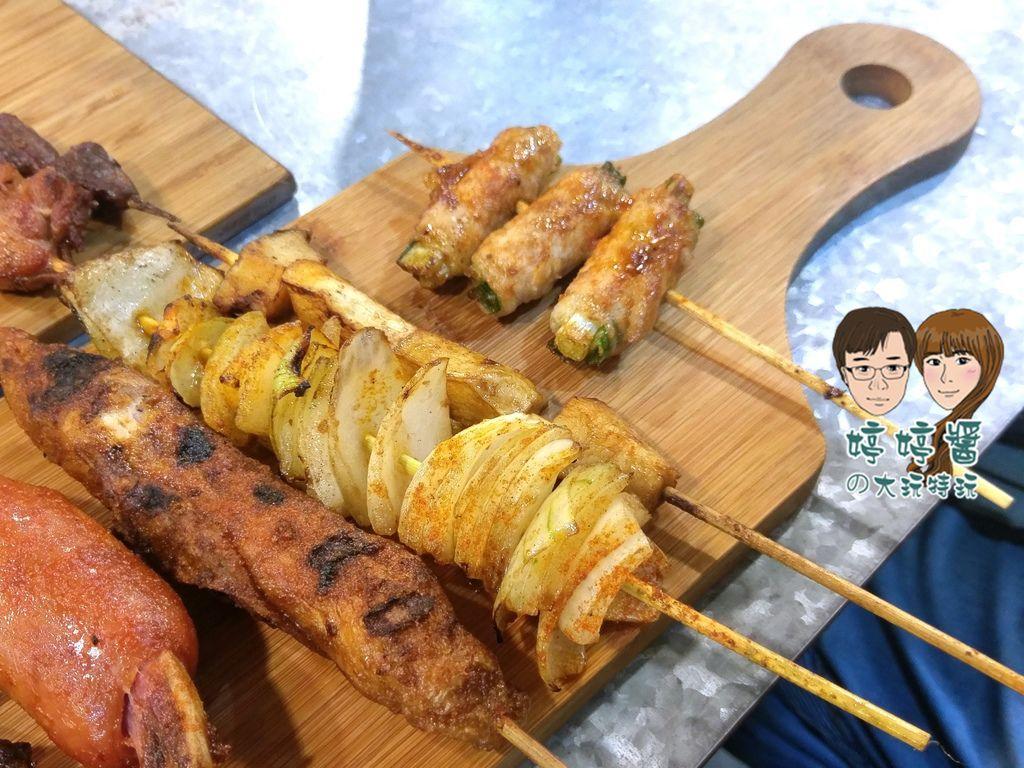 品都串燒攤 杏鮑菇 洋蔥 多汁雞肉捲 青蔥里肌捲