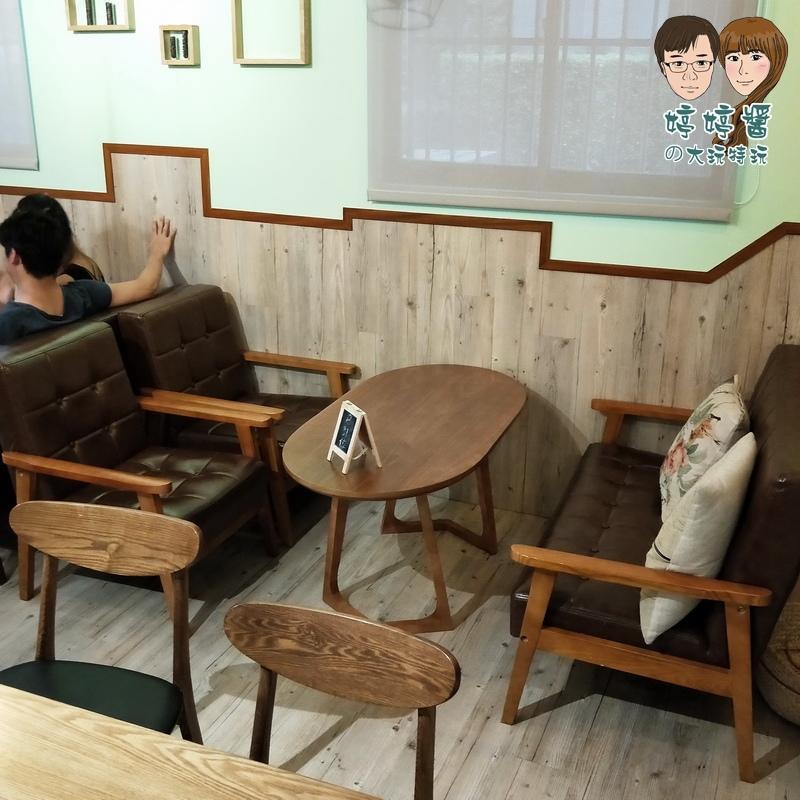 楽麥樂麥舒芙蕾製造所店內復古沙發座位