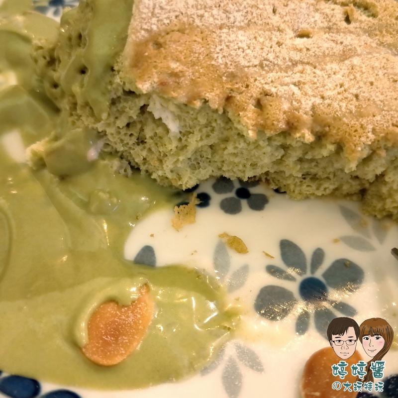 楽麥樂麥舒芙蕾製造所 靜岡抹茶舒芙蕾鬆餅近照口感綿密細緻
