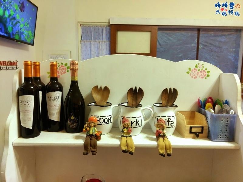 苗栗岩川莊園餐廳櫃檯佈景櫃架