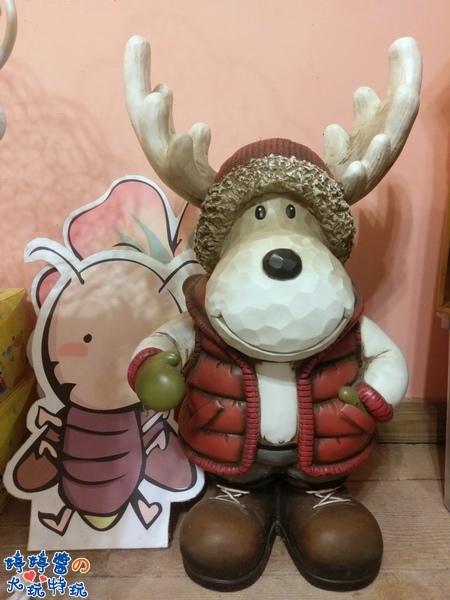 苗栗岩川莊園餐廳櫃檯佈景麋鹿擺飾