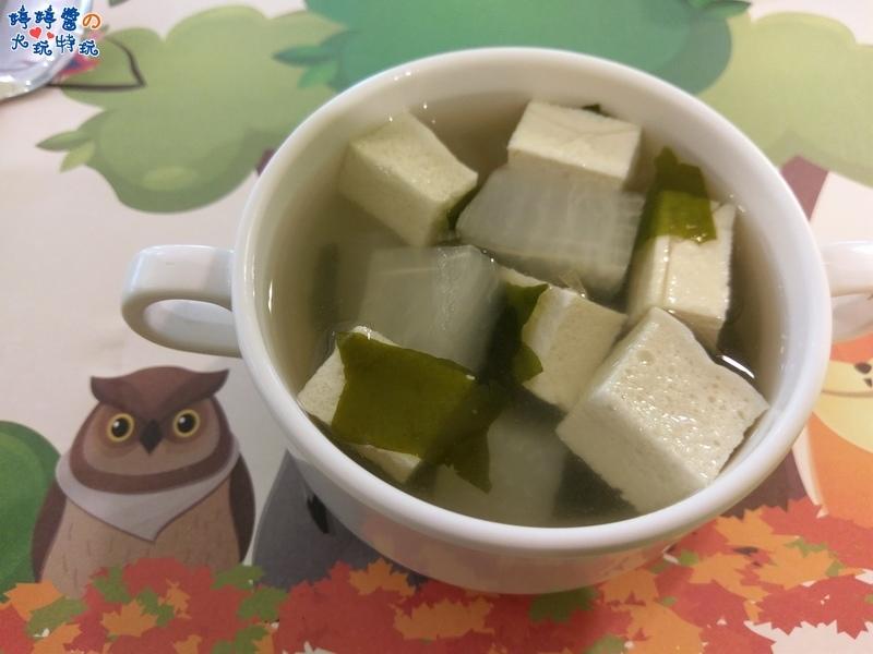苗栗岩川森林民宿莊園餐廳岩川元氣早餐百葉豆腐蘿蔔海帶湯