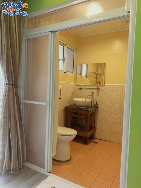 苗栗岩川森林民宿低調奢華房間浴室淋浴間