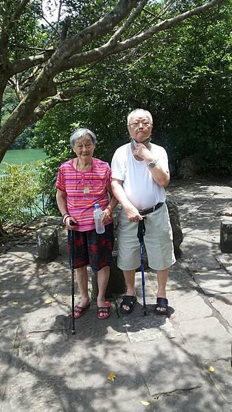 我自己與家人(爺爺奶奶出遊)-05.jpg