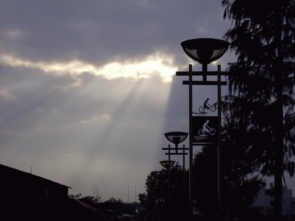 照片 雨後.JPG